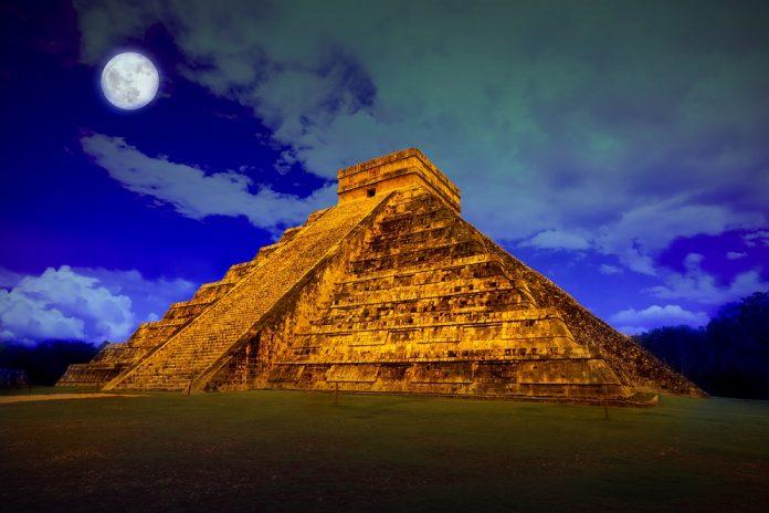 Ruinas Arqueológicas en la Riviera Maya
