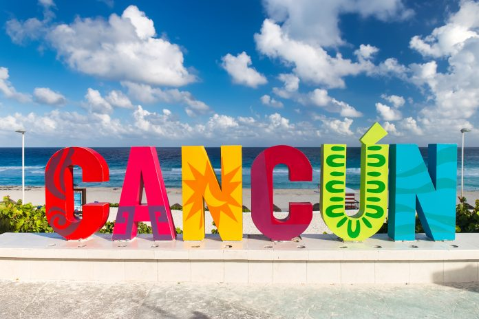 día de la raza en Cancún